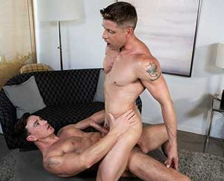 It's the middle of the day, and Cade Maddox is finishing his shower when Johnny Ford rings the doorbell. Cade answers the door and drops his towel, presenting Johnny with his thick throbbing cock.